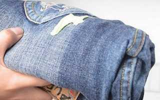 Чем очистить или отмыть монтажную пену с одежды