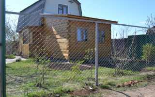 Забор из сетки-рабицы — 115 фото лучших конструкций и особенности их монтажа